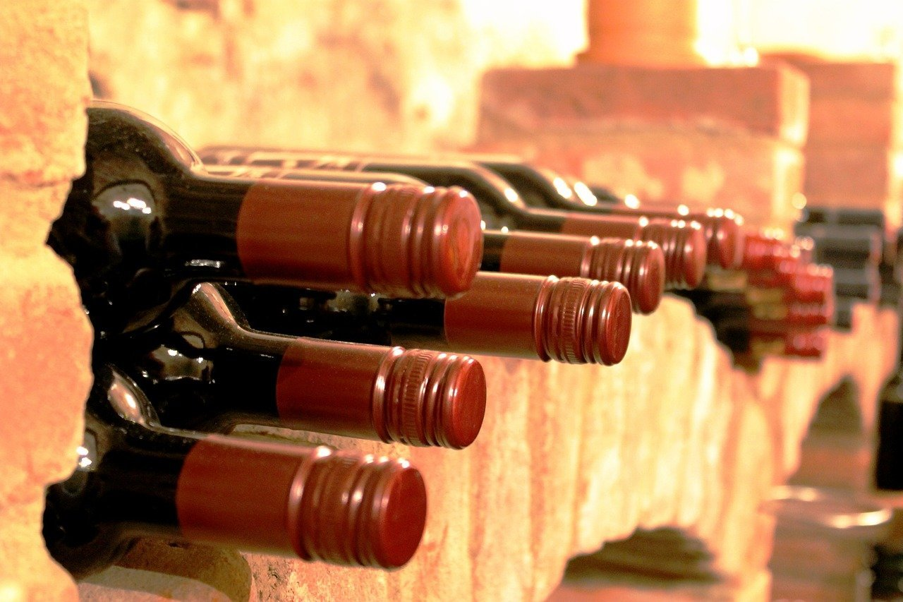Read more about the article Comment conserver son vin rouge durablement ?